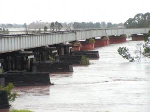 Avon River in Flood 28-06-07